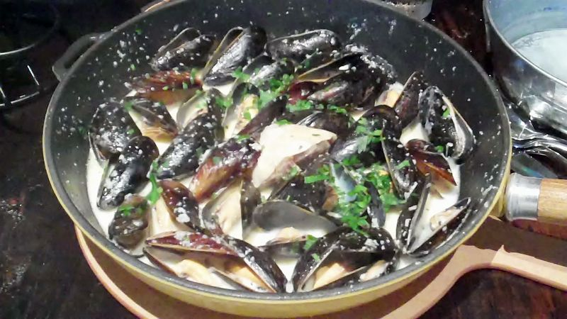 Mussels_at_mussel_bar